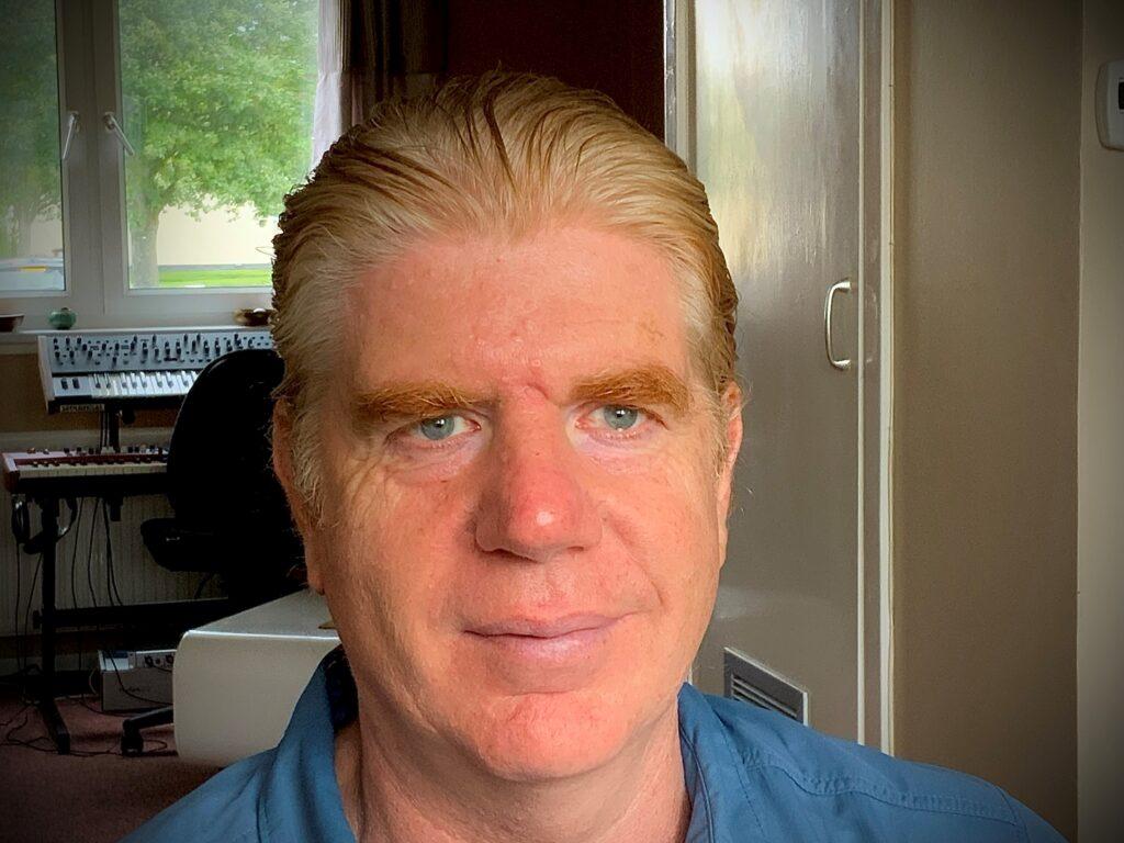 Tim Davis headshot